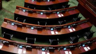 2020年11月25日,香港行政长官林郑月娥在香港立法会作年度施政报告,泛民议员席位放空。