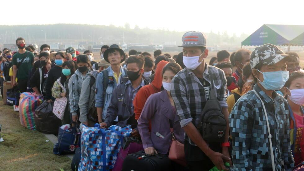Người lao động Miến Điện ở Thái Lan quay về nước trong thời kỳ dịch Covid-19. Ảnh chụp ngày 24/03/2020.
