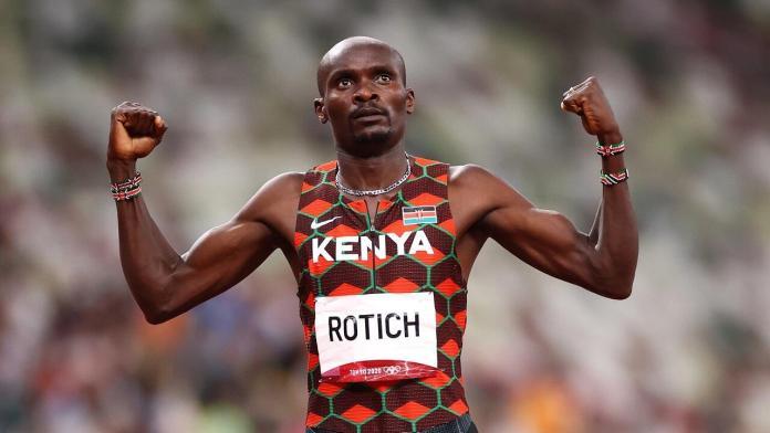 Le Kenyan Ferguson Cheruyiot Rotich fêtera à sa manière sa qualification pour la finale du 800 m aux Jeux de Tokyo le 1er août 2021.