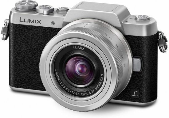 Panasonic LUMIX DMC-GF7 + 12-32mm
