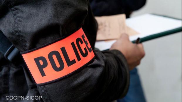 police image prétexte brassard faits divers