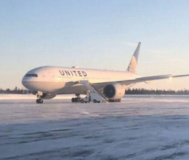 Passengers Stuck On Grounded Plane 14 Hours In Below Zero Temps