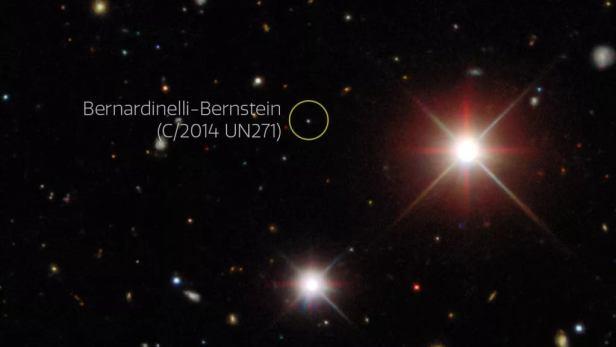 An image taken by the Dark Energy Survey shows Comet Bernardinelli-Bernstein in October 2017. (Dark Energy Survey/DOE/FNAL/DECam/CTIO/NOIRLab/NSF/AURA/P. Bernardinelli & G. Bernstein (UPenn)/DESI Legacy Imaging Surveys. Acknowledgments: T.A. Rector (University of Alaska Anchorage/NSF's NOIRLab)/M. Zamani (NSF's NOIRLab)/J. Miller (NSF's NOIRLab))