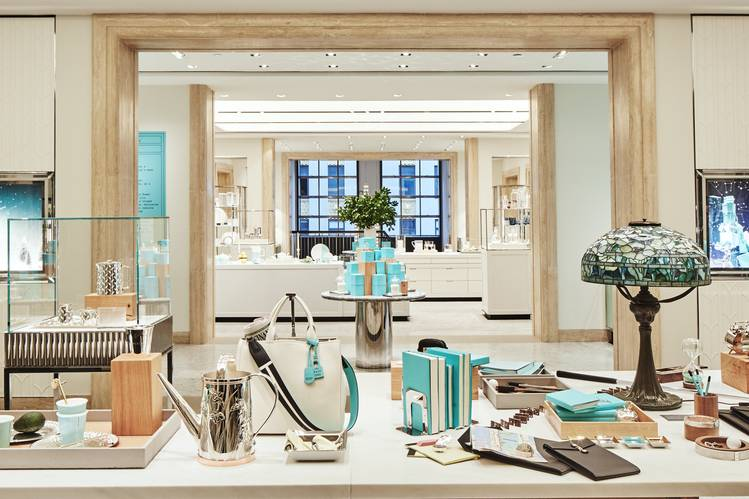 Tiffany S 250 Million Bet On A 78 Year Old Store Wsj
