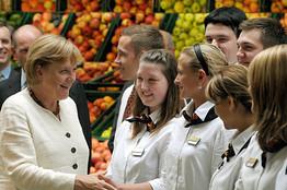 ¿Merkel cumpliendo los deseos de Zapatero?