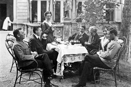 Hermine e Ludwig Wittgenstein em família