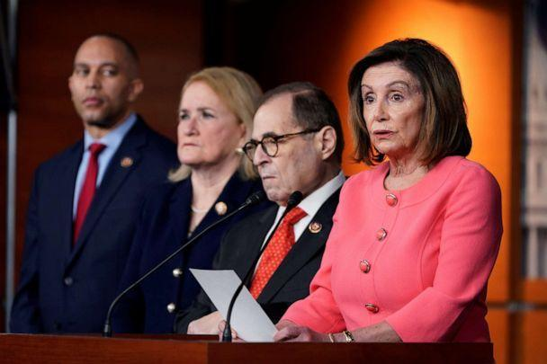 NOTICE: House Speaker Nancy Pelosi announces managers of the House of Representatives to the evasion trial by President Donald Trump during a US Capitol news conference in Washington, January 15, 2020. (Joshua Roberts / Reuters)