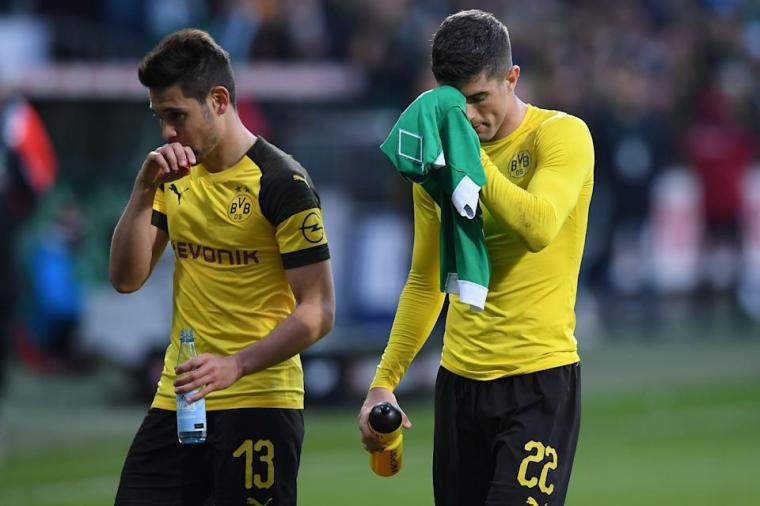 U.S. national teamer Christian Pulisic (R) scored but Borussia Dortmund settled for a point at Werder Bremen on Saturday, delivering a potentially fatal blow to BVB's hopes of winning the German Bundesliga title. (Oliver Hardt/Getty)