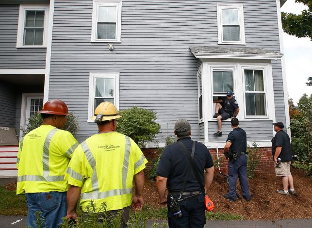 The Latest: NTSB investigators could be on scene for a week