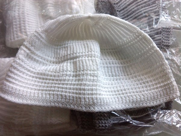Peci Rajut Murah Warna Putih Polos