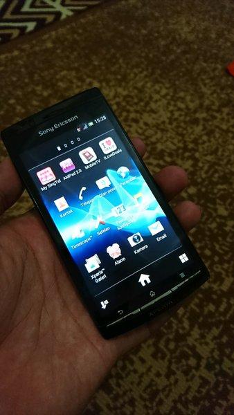 Sony Ericsson Xperia ARC S LT18i Hitam Kondisi Baik dan Mulus Terawat