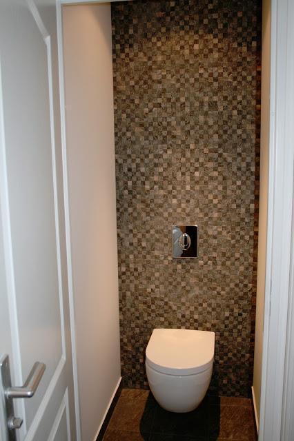 Toilettes Avec Papier Peint Mosaque Cabinet Glacis