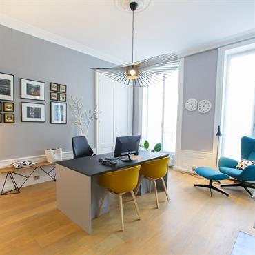 bureau design contemporain eclairages et mobilier de designers decoration vegetale et zen