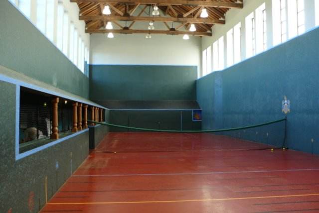 Hyde Real Tennis Court Interior Nigel Mykura Cc By Sa