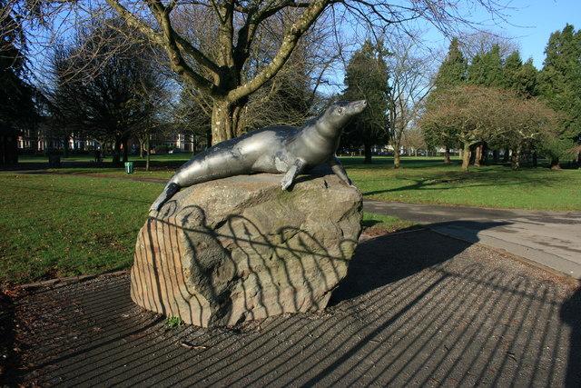 Statue Of Billy The Seal Victoria Park 169 Adrian Platt