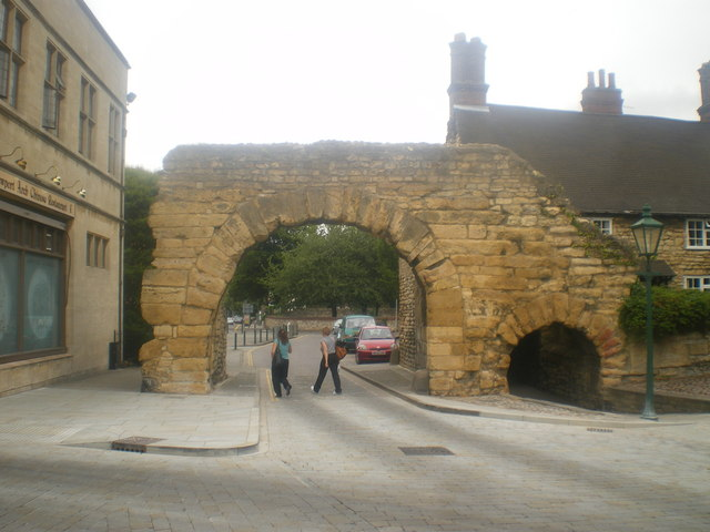 The Roman Newport Arch Lincoln 169 Tom Howard Cc By Sa 2 0