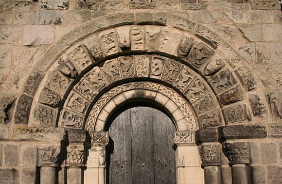 Carved Arch in Dalmeny Kirk © Anne Burgess :: Geograph Britain and Ireland