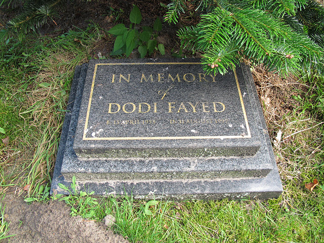 Memorial to Dodi Fayed
