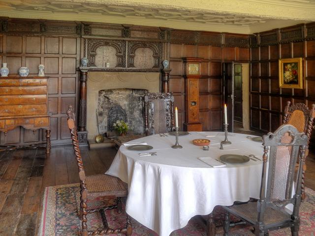 East Riddlesden Hall Dining Room David Dixon Cc By Sa2