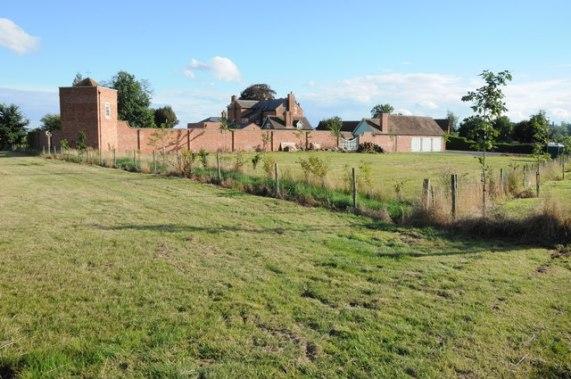 Manor Farm, Elmbridge © Philip Halling cc-by-sa/2.0 :: Geograph