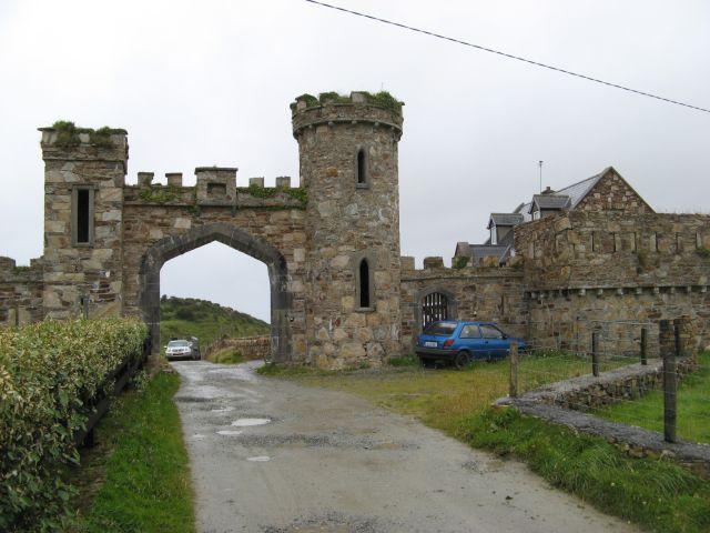 Clifden Castle gateway 1