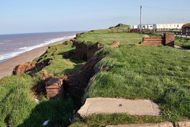 Cliff erosion at Mt Pleasant © Peter Church cc-by-sa/2.0