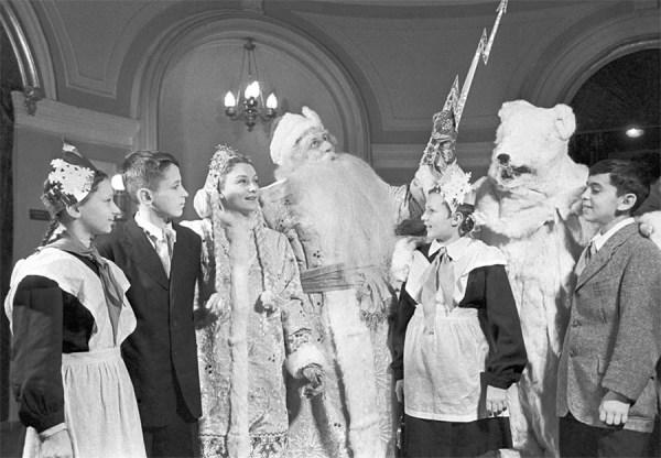 Новый год в СССР. 1950-е, 60-е и 70-е годы - ЯПлакалъ