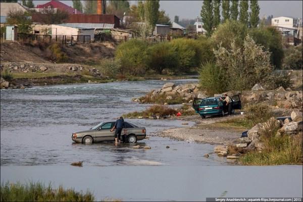 Автомойка в реке как признак нищеброда - ЯПлакалъ