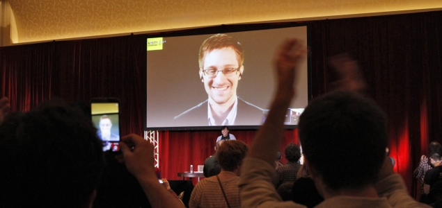 Snowden-pantalla-AI-635-REUTERS.jpg