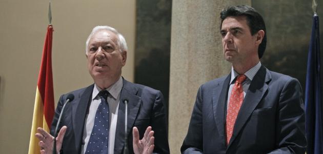 Margallo junto a Soria tras la expropiación de YPF