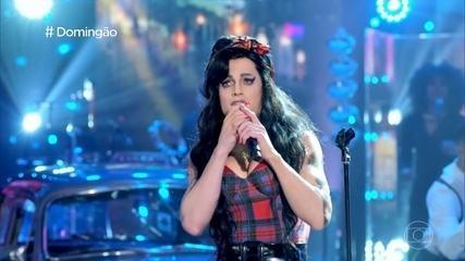 Fiuk honors Amy Winehouse