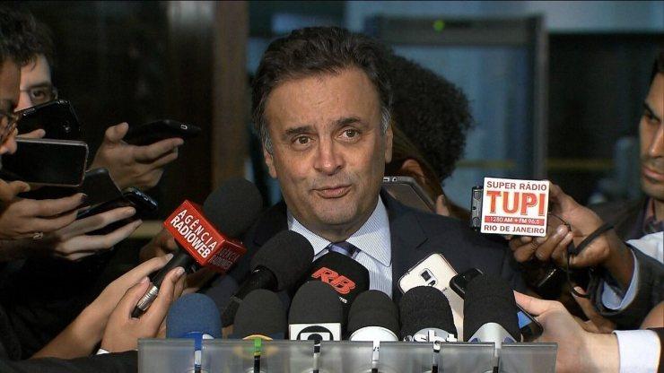 Senador Aécio Neves nega acusações feitas por Delcídio do Amaral