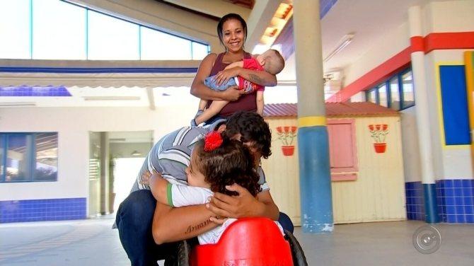 Criança com doença grave ganha presente especial de voluntário em Urupês