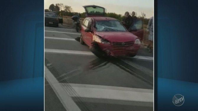 Acidente na Rodovia Anhanguera tem carros envolvidos