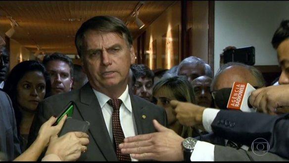 Bolsonaro volta atrás e diz que pasta do Trabalho vai manter o status de ministério