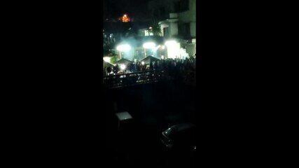 Moradores reclamam de festas clandestinas em um bar de Guarulhos durante a pandemia