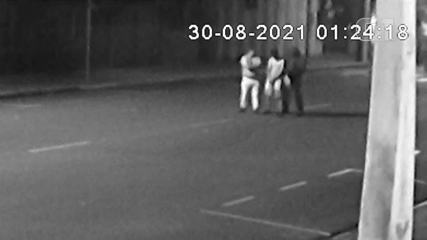 Video shows the moment when criminal is shot during robbery in Araçatuba