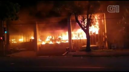 See fire at the headquarters of the Court of Justice of Ceará
