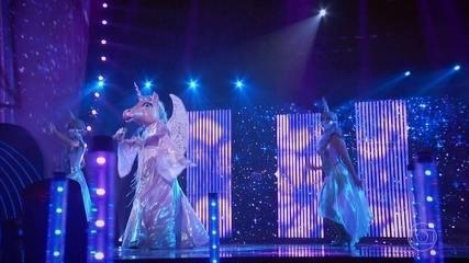 Unicorn sings 'Single Ladies'
