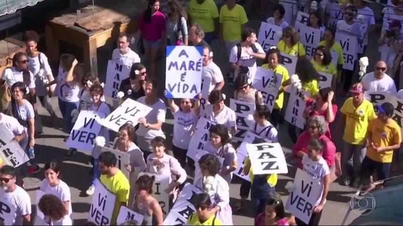 28 dias sem aulas, moradores da Maré pedem paz