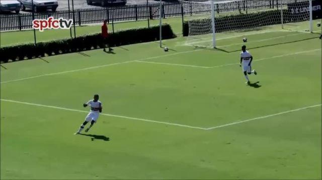 Brenner, do sub-17 do São Paulo, faz cinco gols em vitória por 9 a 0