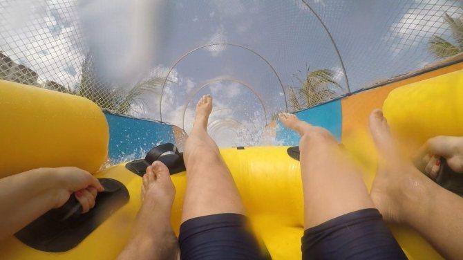 G1 testa montanha-russa aquática em parque no interior de SP