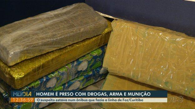 Uruguaio é preso com drogas, arma e munição