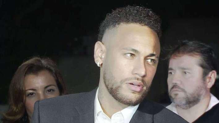 Neymar diz que verdade aparecerá cedo ou tarde após depor em SP