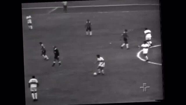 Gol de Paraná, no jogo da entrega das faixas de campeão ao São Paulo: 1x0 Corinthians,