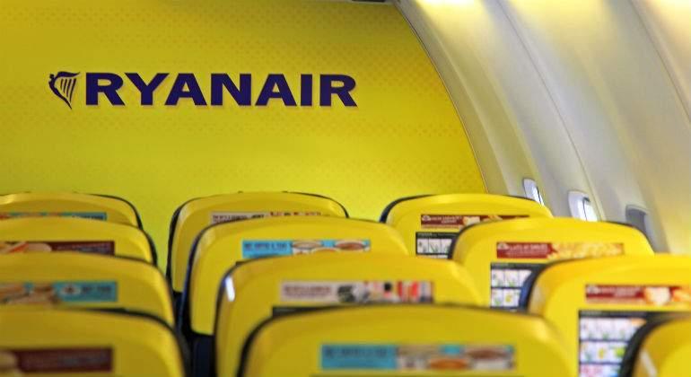 ryanair-avion-dentro-dreamstime.jpg