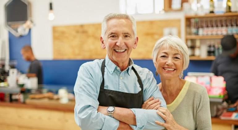 ancianos-trabajando.jpg