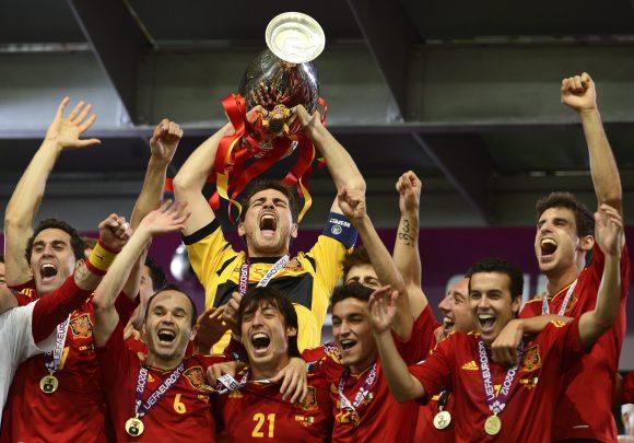 eurocopa 2012 firma para donar la prima de los ganadores