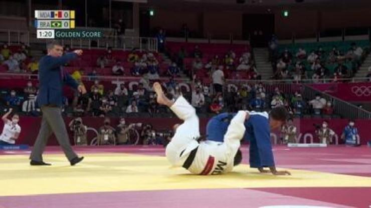 Daniel Cargnin vence a segunda luta e avança para as quartas de final