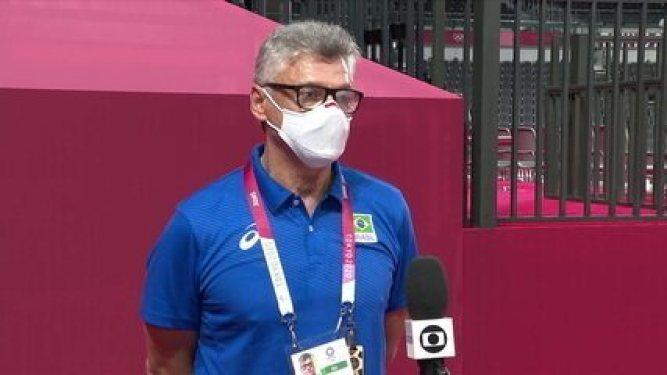 """Renan Dal Zotto comemora e analisa virada sobre a Argentina: """"Já sabíamos que seria um jogo tenso"""""""